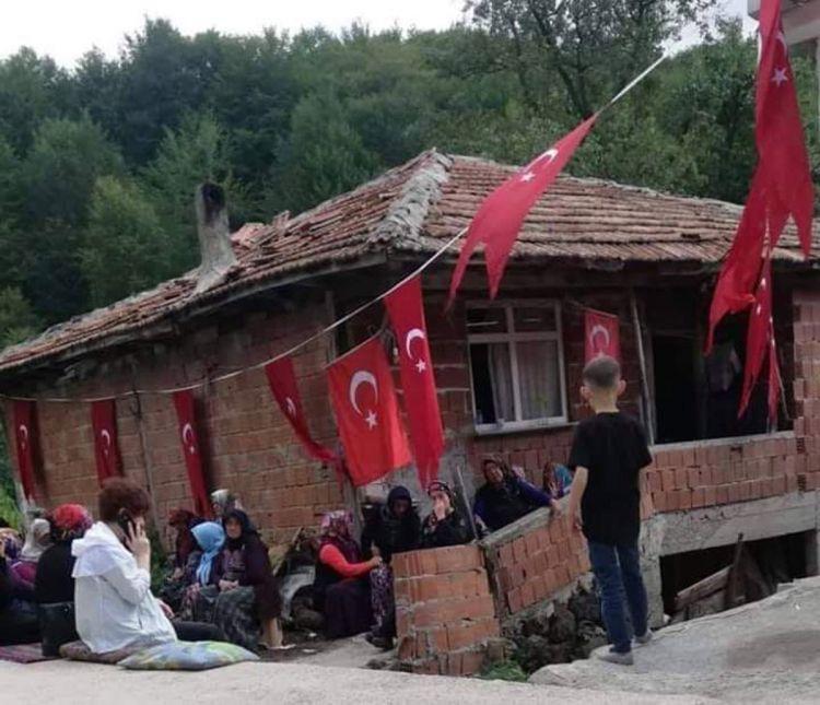 Şehit ailesinin evini Devlet 1 yıldır bakım onarımını yapmıyor