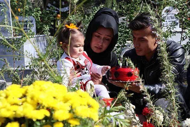 Şehit kızına 1. Yaş günü hüzünlü doğum günü kutlaması