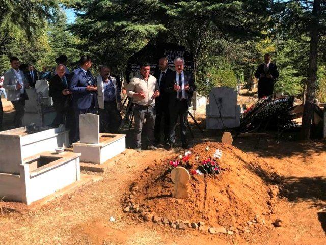 Vali Seymenoğlu'dan şehit ailesine taziye ziyareti