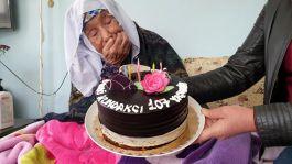 107 yaşındaki Şehit annesine doğum günü sürprizi