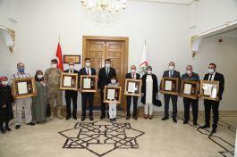 5 Şehit Ailesi 5 Gaziye Devlet Övünç Madalyası verildi