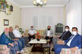 Aliağa'da şehit ailelerine Bayram ziyareti