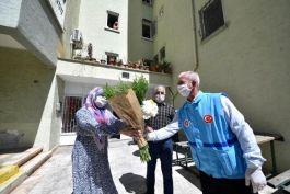 Antalya da şehit ailelerini ziyaret edip, ihtiyaçlarını karşılıyorlar