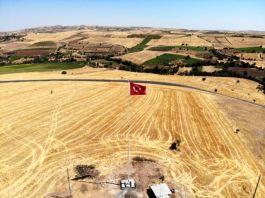 Askerimizin Şehit olduğu yere dev Türk Bayrağı dikildi