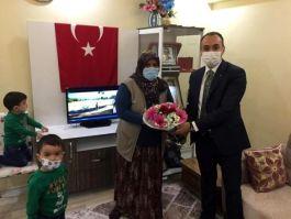 Aslanapa Kaymakamı Şehit ailelerini ziyaret etti