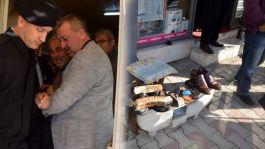 Ayakkabı boyarken Şehit haberini alan şehit babası  Çocuk Parkını yeniletti