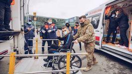 Azerbaycanlı 10 Gazi asker tedavi için Türkiye ye getirildi