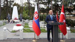 Bakan Bratislava Türk Şehitliği ve Anıtı'nın açılışını yaptı