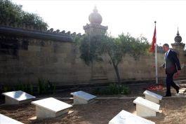 Bakan ve Komutanlar Malta'daki Türk Şehitliğini ziyaret etti