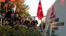 Bakan Yardımcısı Şehit Ömer Halisdemir'in kabrini ziyaret etti