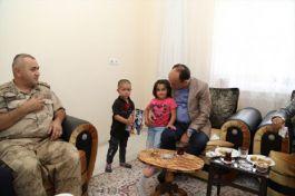 Başkale Kaymakam'ından Şehit ailesine ziyaret