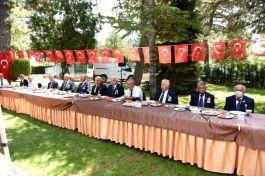 Belediye Başkanı Kıbrıs Gazileri'ni unutmadı
