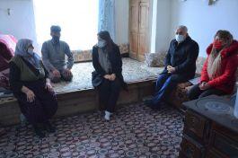 Bayan Kaymakam Şehit aileleri ziyaret etti