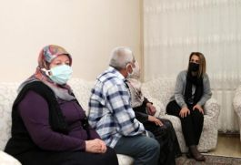 Bayan Vali Şehit ve Gazi ailelerini ziyaret etti