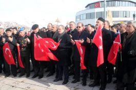 Bayburt'ta Şehitlere saygı yürüyüşü yapıldı