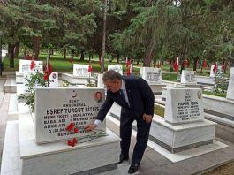 BBP Genel Mustafa Başkanı Destici Ankara şehitliği ziyaret etti