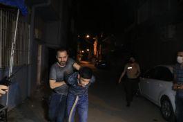 Bekçilere silahlı saldırı yaptılar anında yakalandılar