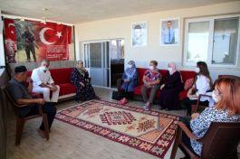Belediye Başkan eşi Şehit ailelerini ziyaret etti