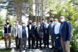 Belediye Başkanı Şehit ailesine taziye ziyaretine gitti