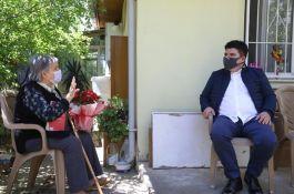 Belediye Başkanı şehit annelerine sürpriz Anneler Günü ziyareti