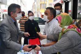 Belediye Başkanı Şehit evine taziye ziyaretinde bulundu