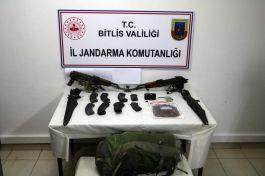 Bitlis kırsalında 4 Terörist Silahlarıyla Beraber öldürüldü