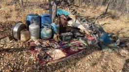 Bitlis'te teröristlere ait mühimmat ve yaşam malzemesi ele geçirildi