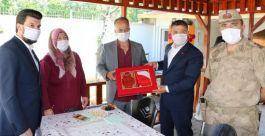 Erciş Kaymakamından Şehit ailelerine ziyaret