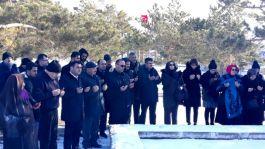 Erzurum şehitleri mezarları başında anıldı