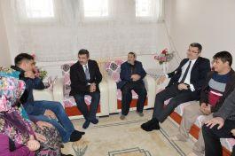 Erzurum Valisi Suriye Gazisini Oktay Kaplan'ı Ziyaret etti