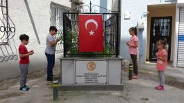 Evlerin Ortasında kalan Kurtuluş Savaşı Şehidi Mezarı