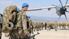 Hakkari'den 400 komando Suriye Sınırına sevk edildi