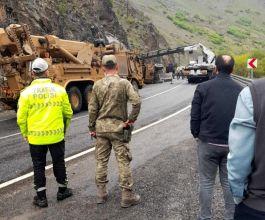 Hakkâri'de Askeri araç kaza yaptı 3 Asker yaralandı