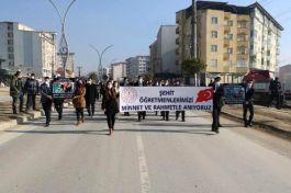 Hakkâri'de Şehit meslektaşları için yürüyüş yaptılar