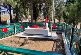 İl Jandarma Şehit Askerin mezarını yeniledi