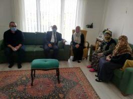 İlk ziyareti Şehit ailelerine yaptı