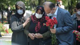İstanbul Emniyet Müdürü Aktaş Polis Şehitliği'ni ziyaret etti