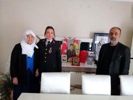 Jandarmadan Şehit ailesine 18 Mart ziyareti