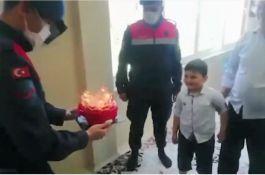 Jandarmadan Şehit çocuğuna sürpriz doğum günü(Video)