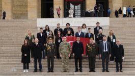 Kardeş Ülke Şehit çocukları Anıtkabir'i ziyaret etti