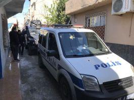 Kavga ihbarına giden polise bıçaklı saldırı Şüpheli vuruldu