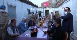 Kaymakam Kato Dağı'nda nöbet tutan Mehmetçikle iftar yaptı