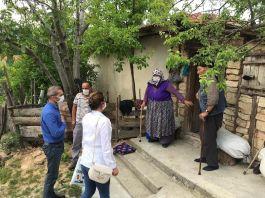 Kaymakam Şehit Ailelerini evlerinde ziyaret etti