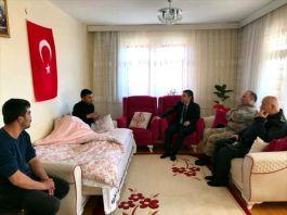 Kaymakam Suriye  İdlib gazisini ziyaret etti