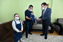 Kaymakam ve Belediye Başkanı Şehit ailesiyle bayramlaştı