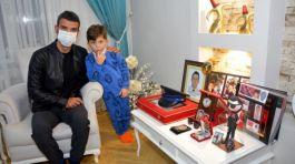 Kenan Sofuoğlu Şehit Ailesini Ziyaret etti