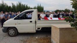Kıbrıs Gazisine Büyük saygısızlık Naaşı kamyonet kasasında taşındı