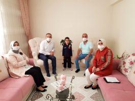 Kilis Vali'si Bayramda Şehit ailelerini ziyaret etti