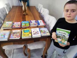 kitaplarını şehit ve gazi çocuklarına hediye etti