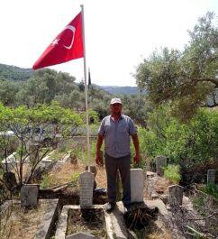 Koçarlı'da Şehit kabrine 44 yıl sonra bayrak çekildi